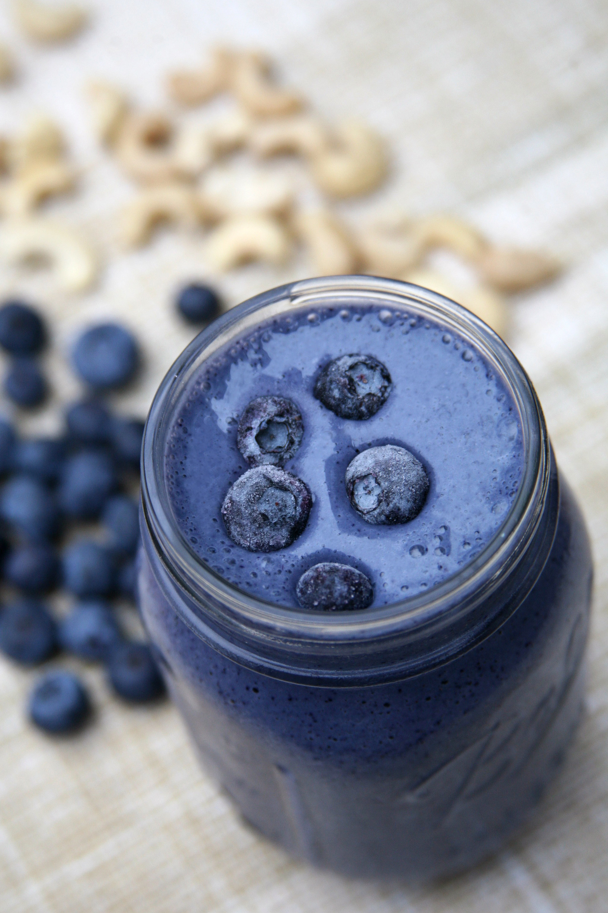 High-Protein, High-Fiber Blueberry Cheesecake Smoothie
