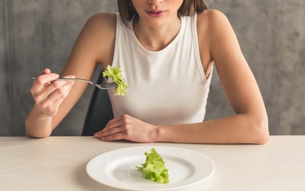 9 Signs That You're Not Eating Enough
